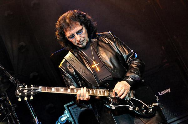 Гитарист Black Sabath готов бороться с раком крови