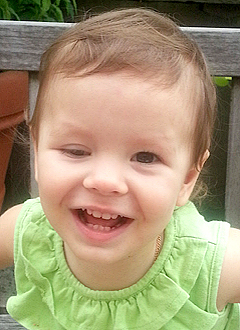 Жанна Фриске спасла от рака сетчатки 2-летнюю девочку Амелию