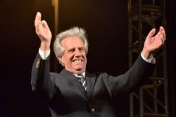 Президентом Уругвая избран врач-онколог