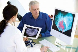 Doctor-with-prostate-patient