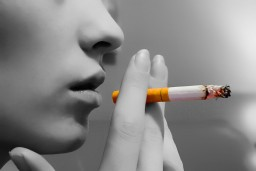 Lady-Smoking-blackwhite_02-1024x682